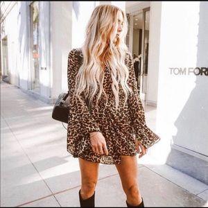 Vici | Bell Sleeve Leopard Dress